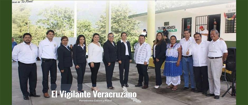 inauguran domo en telesecundaria de ixhuatlancillo