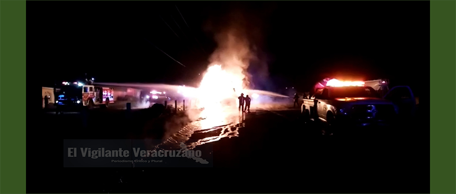 se incendia camión tras choque con ado en maltrata
