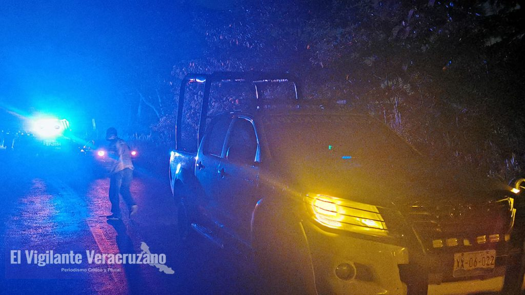 Se accidenta autobús sobre la carretera Magdalena-Rafael Delgado02