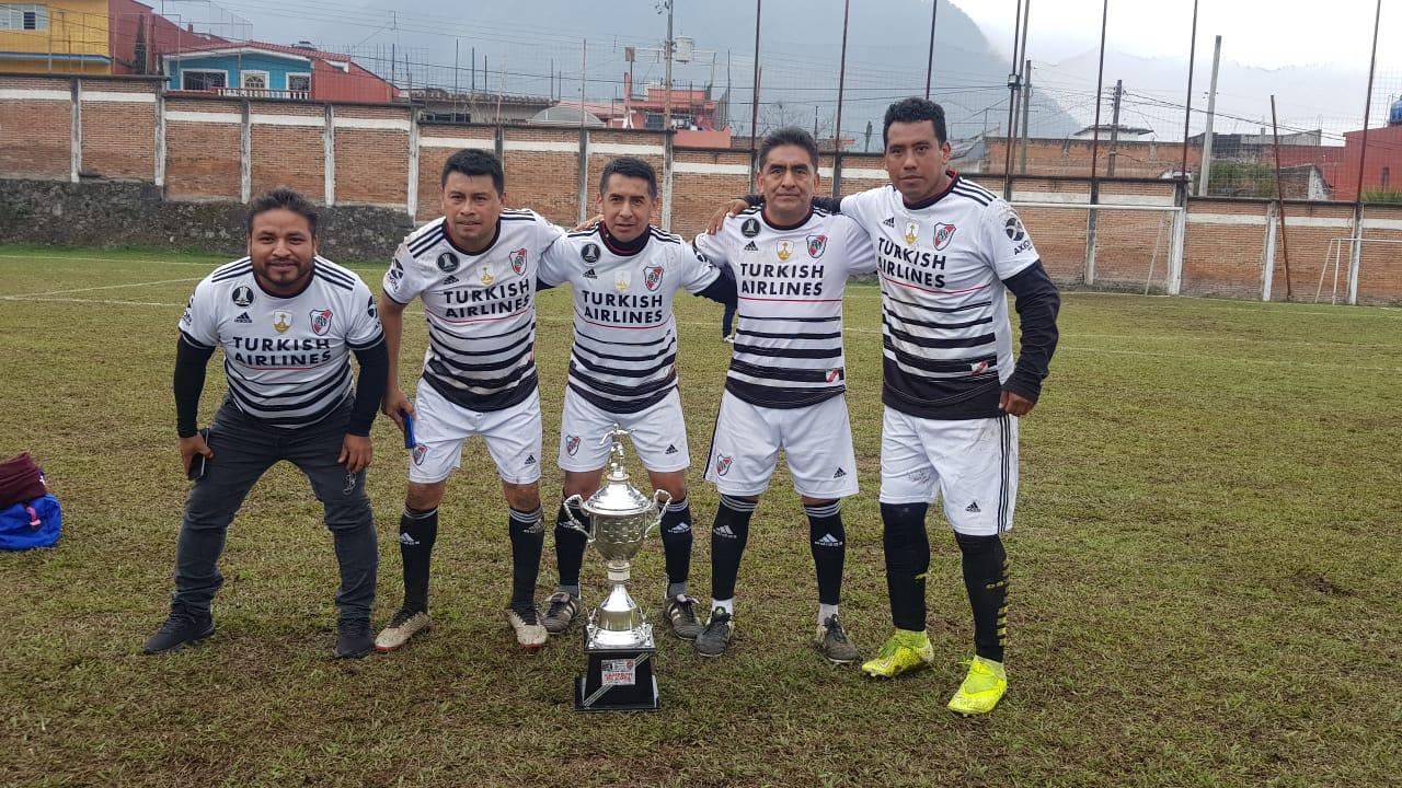 Deportivo Tequila se corona campeón del Torneo de Copa de Veteranos de la Premier