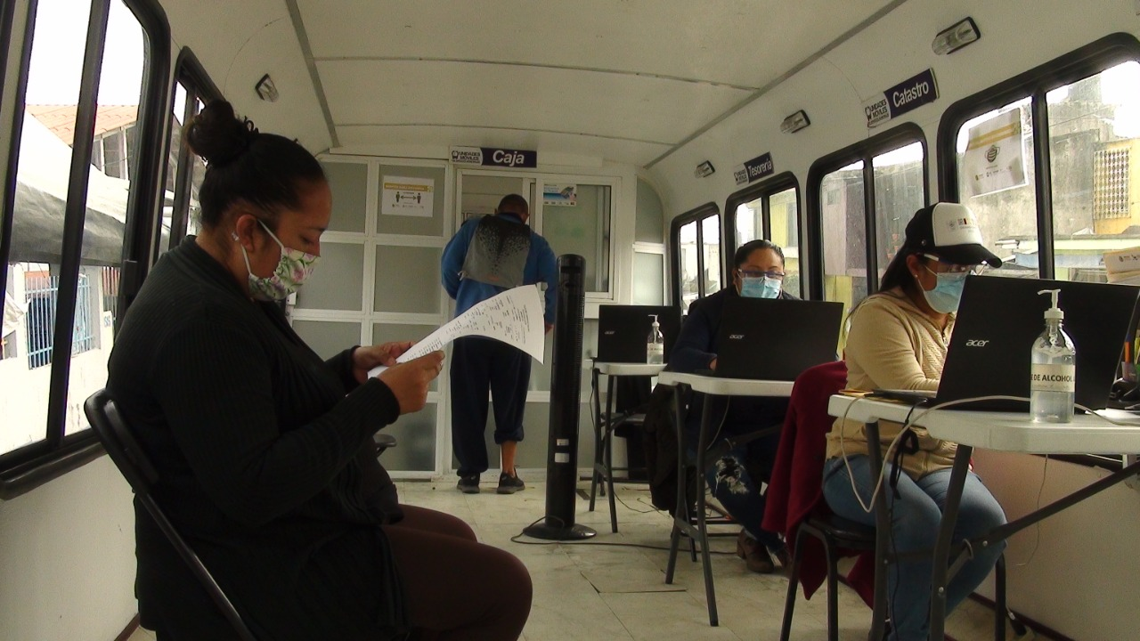 Ixtaczoquitlán acerca servicios de tesorería a la población mediante unidad móvil
