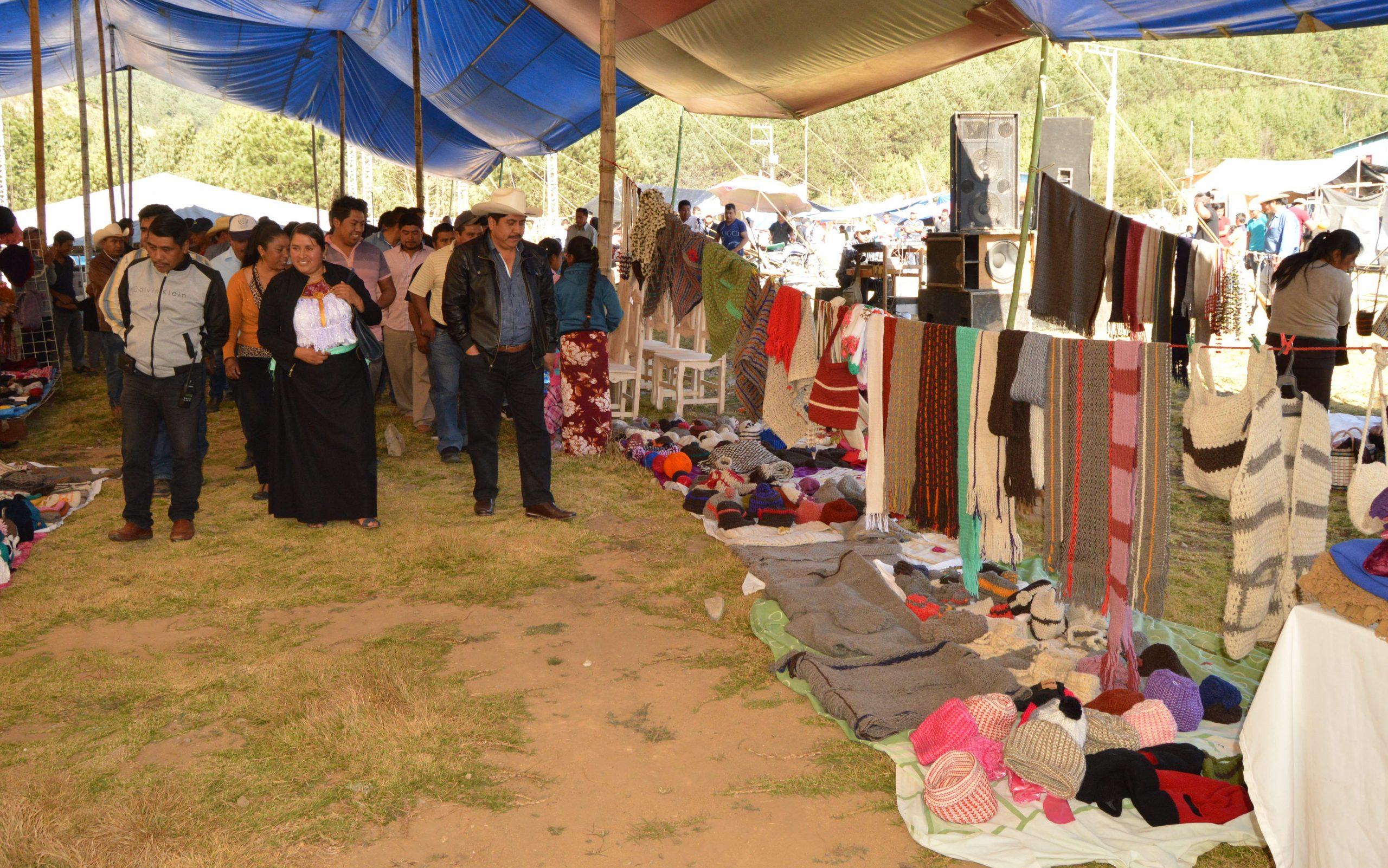 Unión de Artesanos y Comerciantes de Atzompa celebrará su 29 aniversario