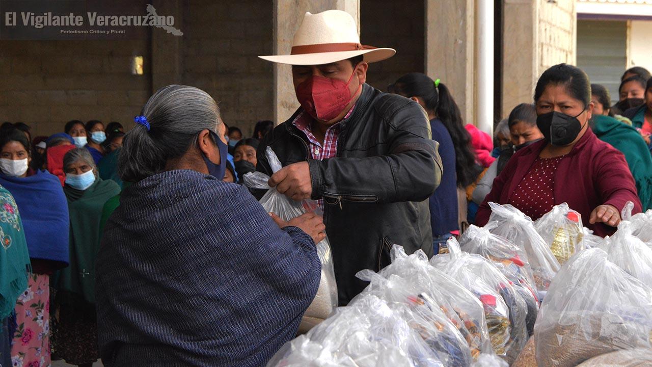 Inicia entrega de despensas en Soledad Atzompa