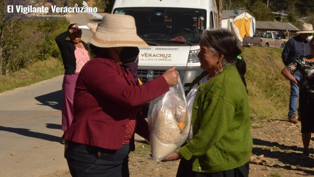 Inicia entrega de despensas en Soledad Atzompa02