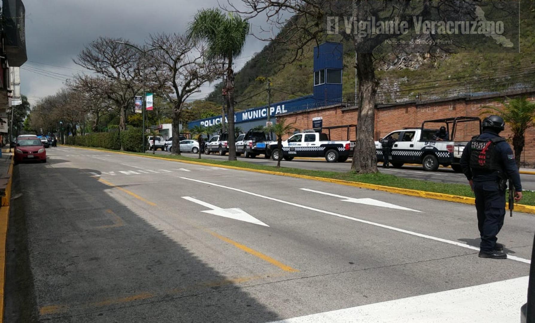 Federales y Estatales desarman a la Policía Municipal de Orizaba