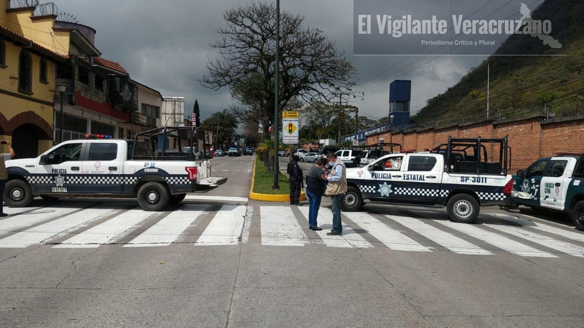 Federales y Estatales realizan operativo para desarmar a la Policía Municipal de Orizaba