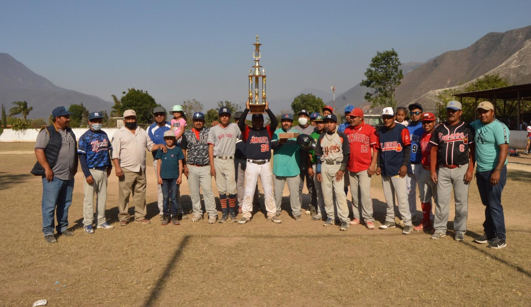 Potros levanta copa en la liga de beisbol de Acultzingo