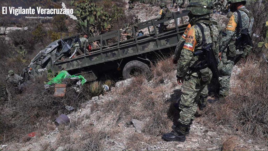 Se accidenta camión del Ejército Mexicano en Cuacnopalan, Puebla04