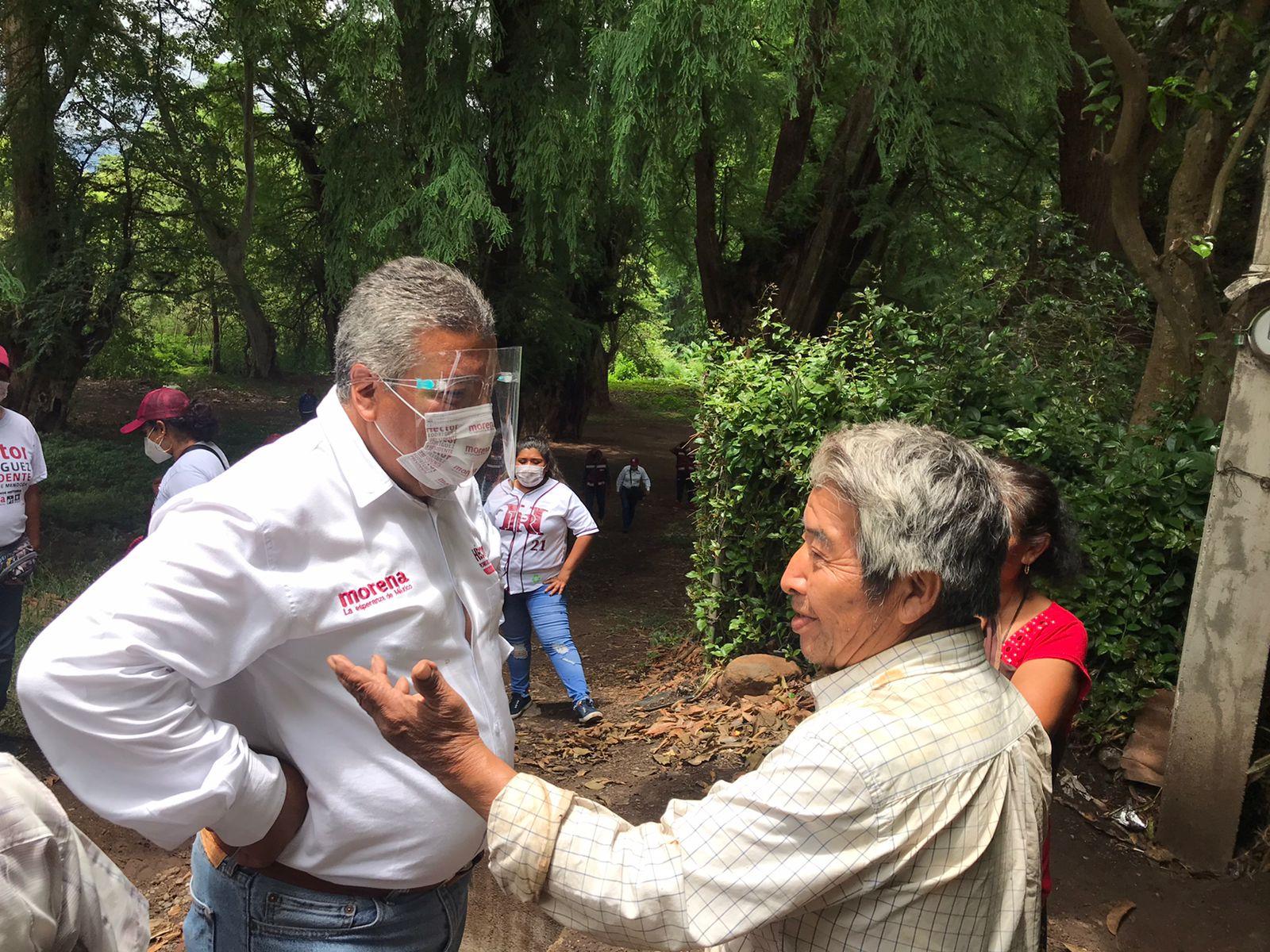 Recibe Héctor Rodríguez infinidad de peticiones en la sección 604 de Ciudad Mendoza