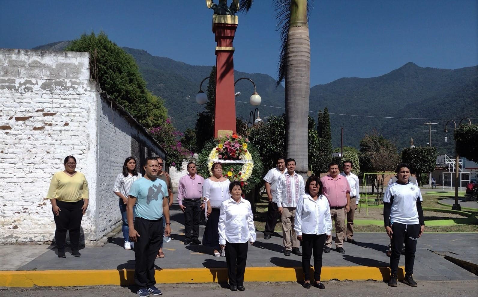 Montan guardia de honor en el marco del 529 aniversario del Mestizaje